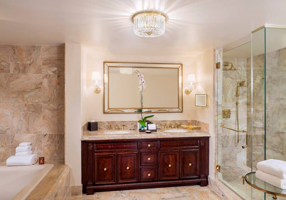 Trump National Doral Miami guest bath - Eventinterface